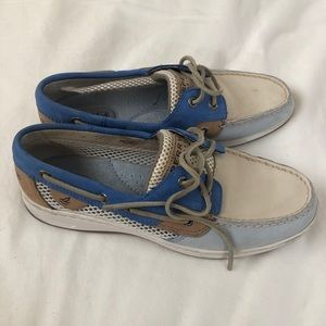 Sperry boat shoes. (8.5)